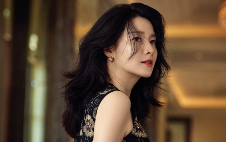 Lee Young Ae's Husband Looks Incredibly Young Than His