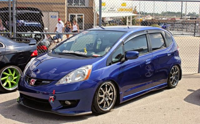 Mobil Honda Jazz RS blue chrome