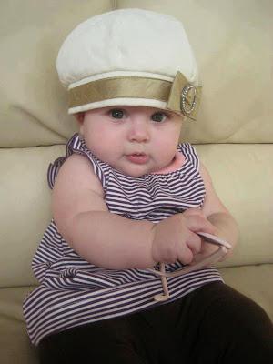 bu yüzden çok sevimli sevimli bebek