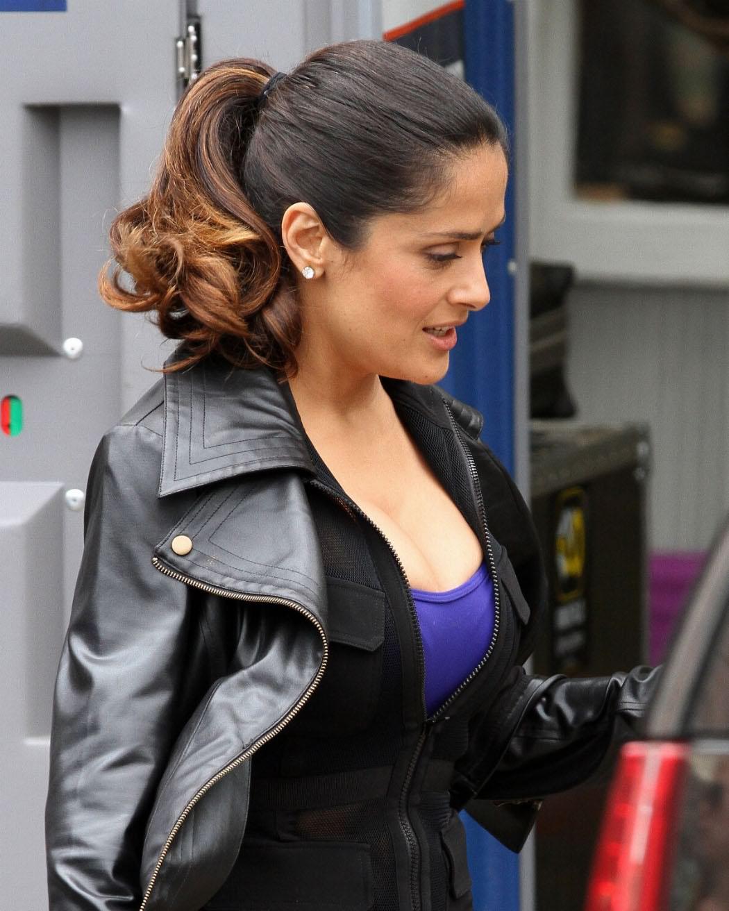 Salma Hayek Workout  Tops Style-8628