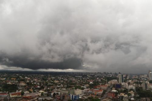 Defesa Civil alerta para as primeiras chuvas com poluentes