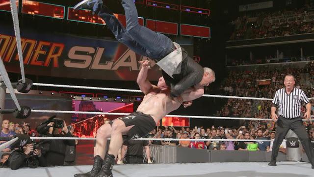 Venu protéger Randy Orton, Shane McMahon reçut à son tour un F5