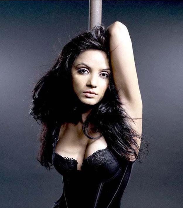 exotic and exposed Neetu chandra exclusive stunning hot black dress