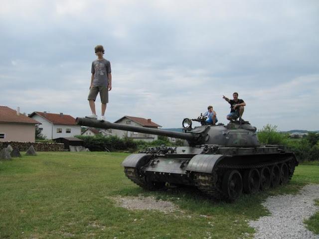 tanque T-55, tanque cañón de 100mm, blindado para 4 soldados, tanque de la URSS