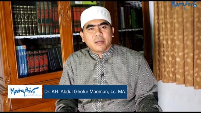 Kenapa Para Kyai Tidak Grusa-grusu dalam Amar Ma'ruf Nahi Munkar? ini Jawaban Gus Ghofur Maimoen