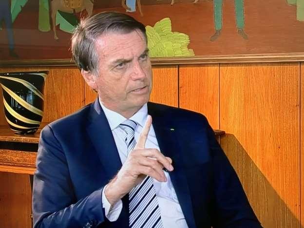 Bolsonaro diz estudar projeto para acabar com a Justiça do Trabalho