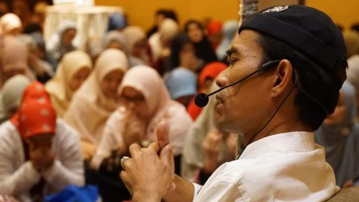 Hadiri Kajian Ust Abdul Somad, Syahrini Ungkap Alasan Belum Istiqomah Berjilbab