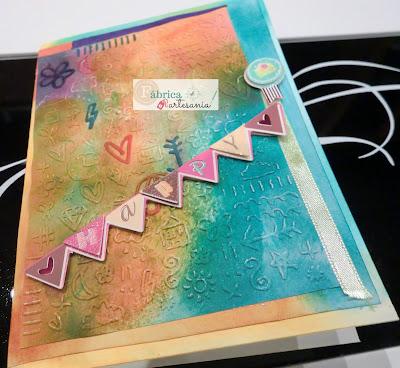 Primer plano más cercano tarjeta happy mail arcoiris