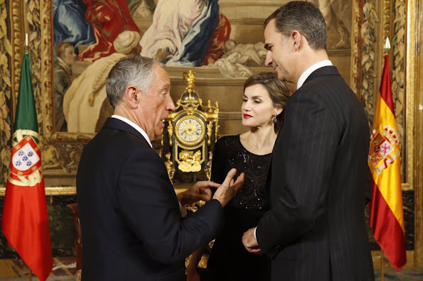 King Felipe VI of Spain and Queen Letizia of Spain receive Portugals President Marcelo Rebelo de Sousa before a gala dinner held at the Royal Palace