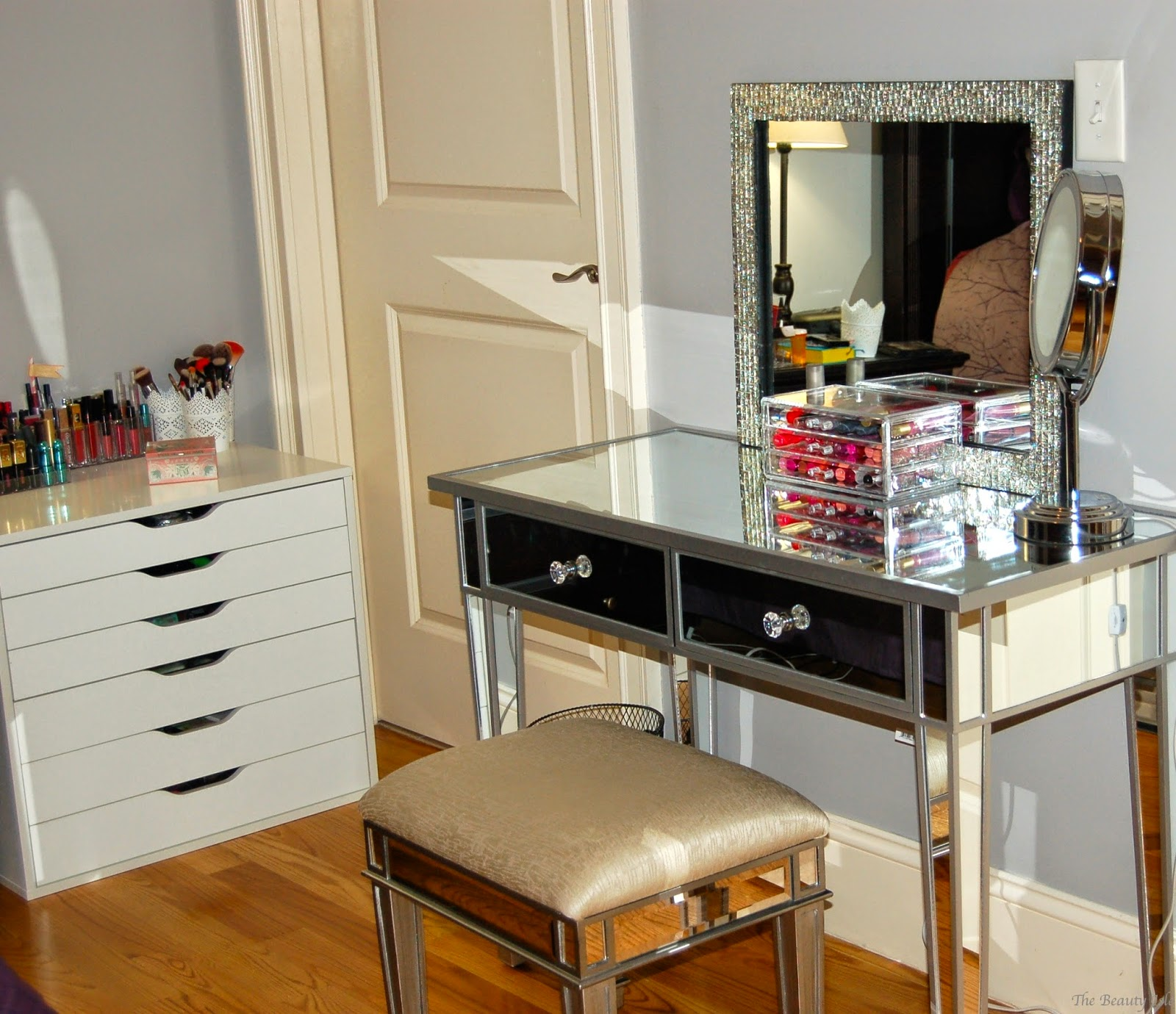 Cheap Makeup Chairs Makeup Collection And Storage 2015 Part 2 Mirrored Vanity