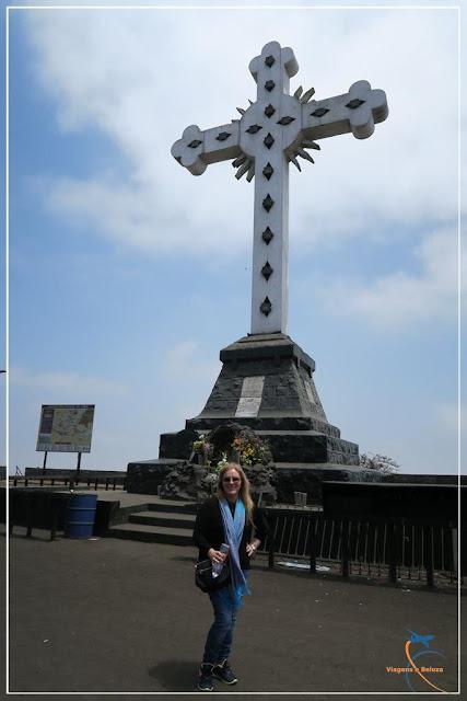 Monumental Cruz do Cerro de San Cristóbal em Lima