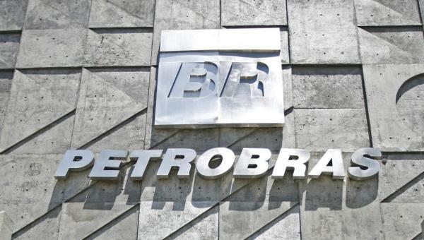 Gobierno de Brasil vende acciones de Petrobras Argentina