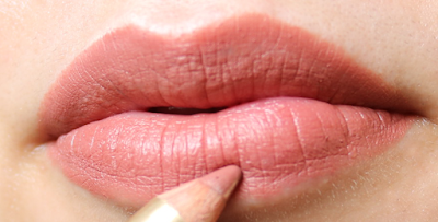 Dolce & Gabbana Precision Lipliner in Nude 01 review swatches