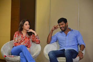 Vishal and Tamannah Stills at Okkadochadu Movie Press Meet  0011.jpg