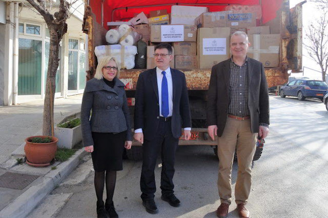 Ανθρωπιστική βοήθεια από τον Έβρο στους πρόσφυγες