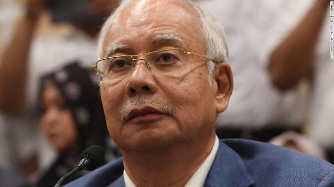 BEKAS PERDANA MENTERI MALAYSIA, DS NAJIB RAZAK DI TAHAN SURUHANJAYA PENCEGAHAN RASUAH MALAYSIA (SPRM)