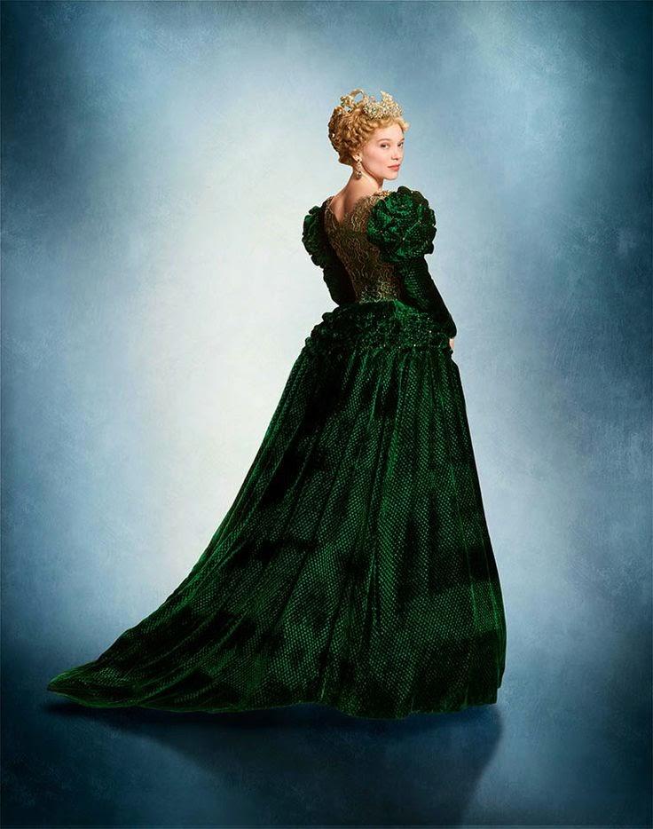 Figurino A Bela e Fera 2014, La Belle et la Bette vestido verde e coroa