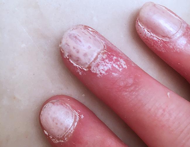 Review: Nails Inc. Paint Can Spray On Nail Polish