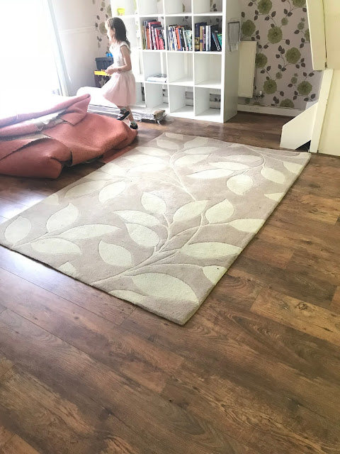 oak laminate floor