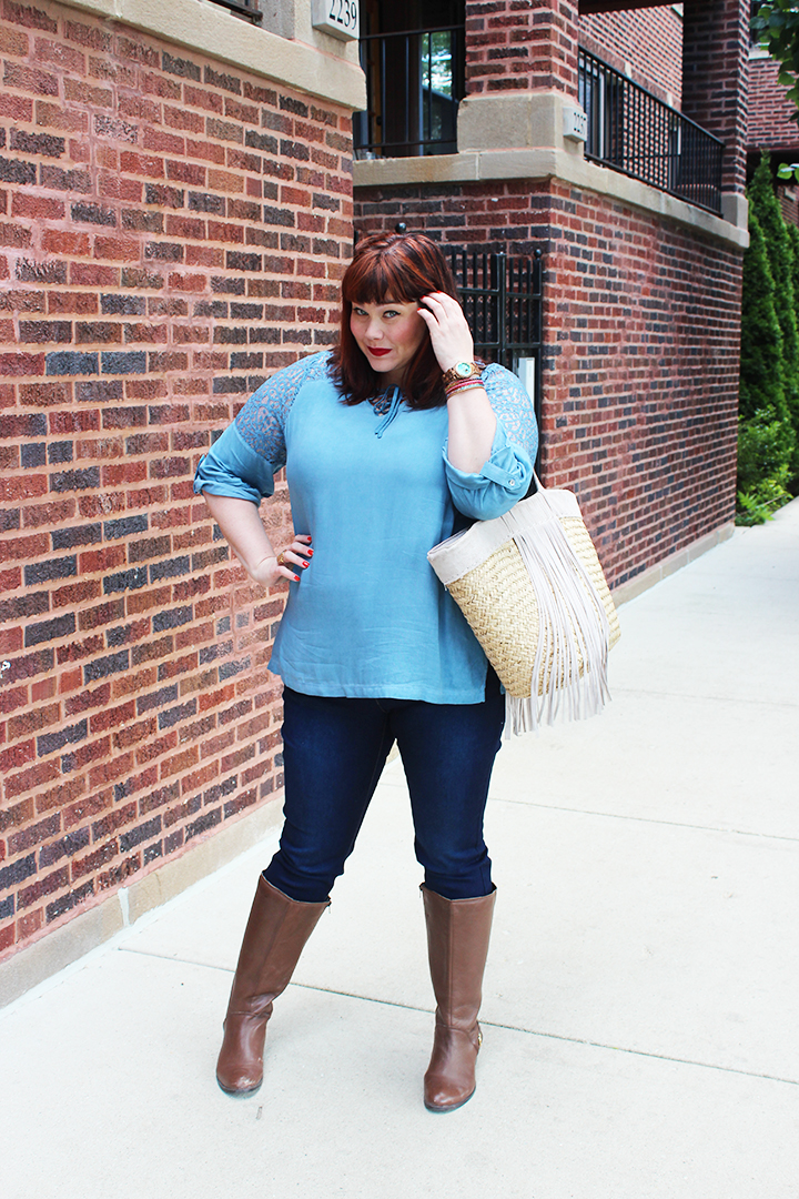 Plus Size Blogger Amber from Style Plus Curves models a fall outfit from Skye's the Limit Boutique