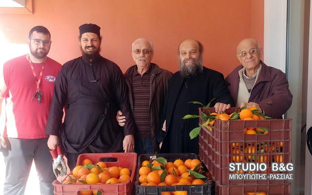 8.5 τόνοι πορτοκάλια από την Αργολίδα προσφορά αγάπης στην Ιερά Μητρόπολη Θηβών και Λεβαδείας