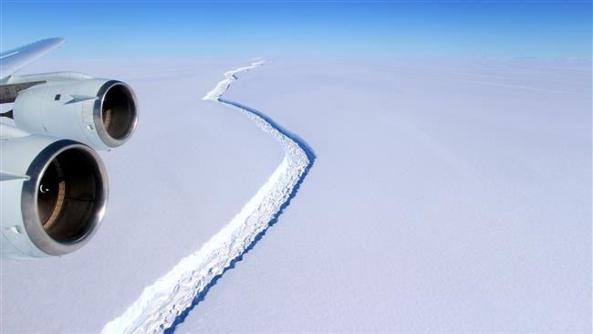 Trillion-tone iceberg breaks off Antarctica