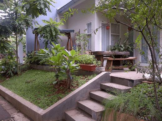 teras belakang rumah sederhana