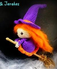 http://varetasyjaretas.blogspot.com.es/2014/10/brujita-halloween-crochet.html