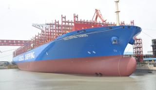 Στον Πειραιά το μεγαλύτερο πλοίο που έδεσε ποτέ (pics)