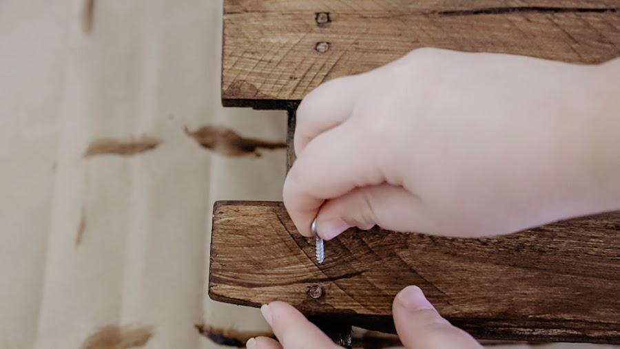 estanteria de palet, madera de palet, muebles de palet, madera, estanteria, reciclar palet, pintar palet