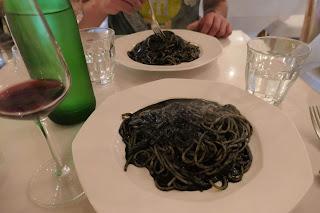 イタリアンレストラン「OTTO」ランチのイカスミパスタは、チーズたっぷり濃厚です。