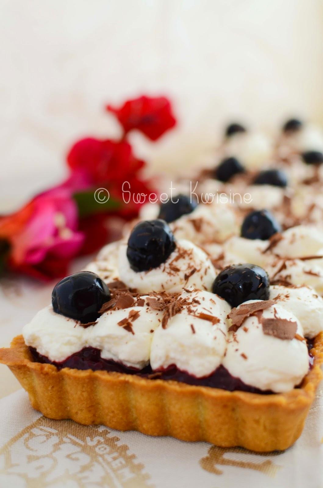 Sweet Kwisine, tarte, forêt noire, cerise, griotte, amarena, chantilly, chocolat, crème d'amandes
