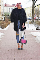 http://www.karyn.pl/2017/02/jeansowe-spodnie-z-atami.html