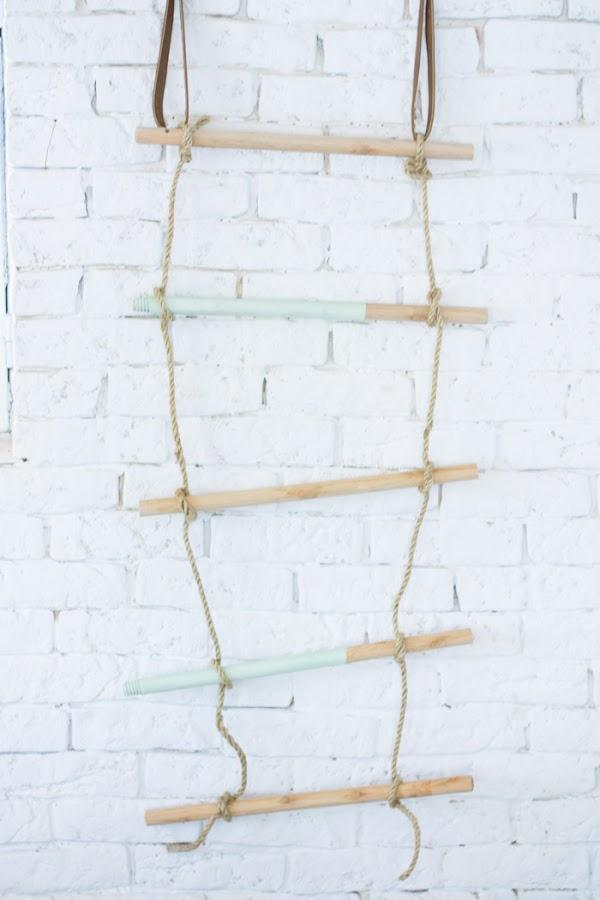 Perchero con cuerda y listones madera diy
