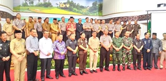 Gubernur Irwan Saksikan Penandatangan Perjanjian Kerjasama APIP dengan APH