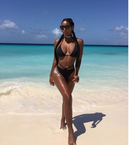 Smoking Hot! Beauty Queen Sets Instagram on Fire With Super S*xy Bikini Photos