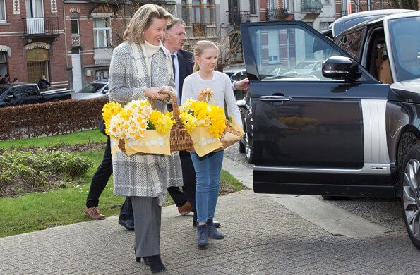 Queen Mathilde of Belgium and her two children, Prince Emmanuel and Princess Eléonore visited OCMW nursing home