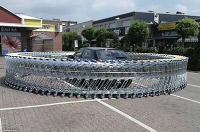 Όταν το παράνομο παρκάρισμα παίρνει την απάντηση που του αξίζει