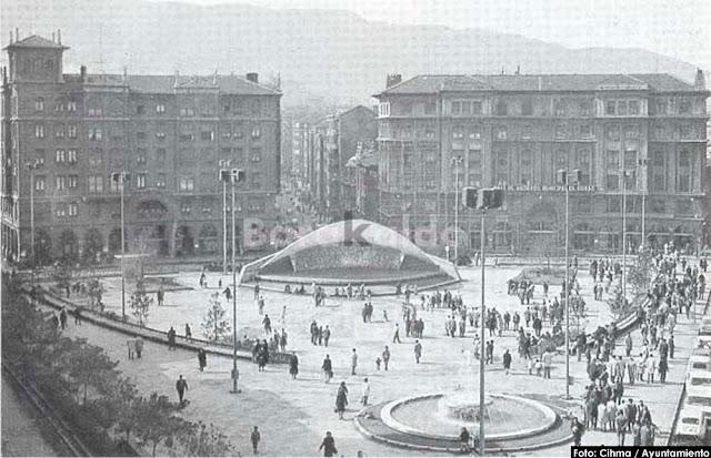 Herriko Plaza antes de la reforma de los años noventa del siglo XX