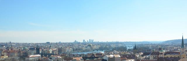 Vue d'ensemble de Prague depuis le château de Prague