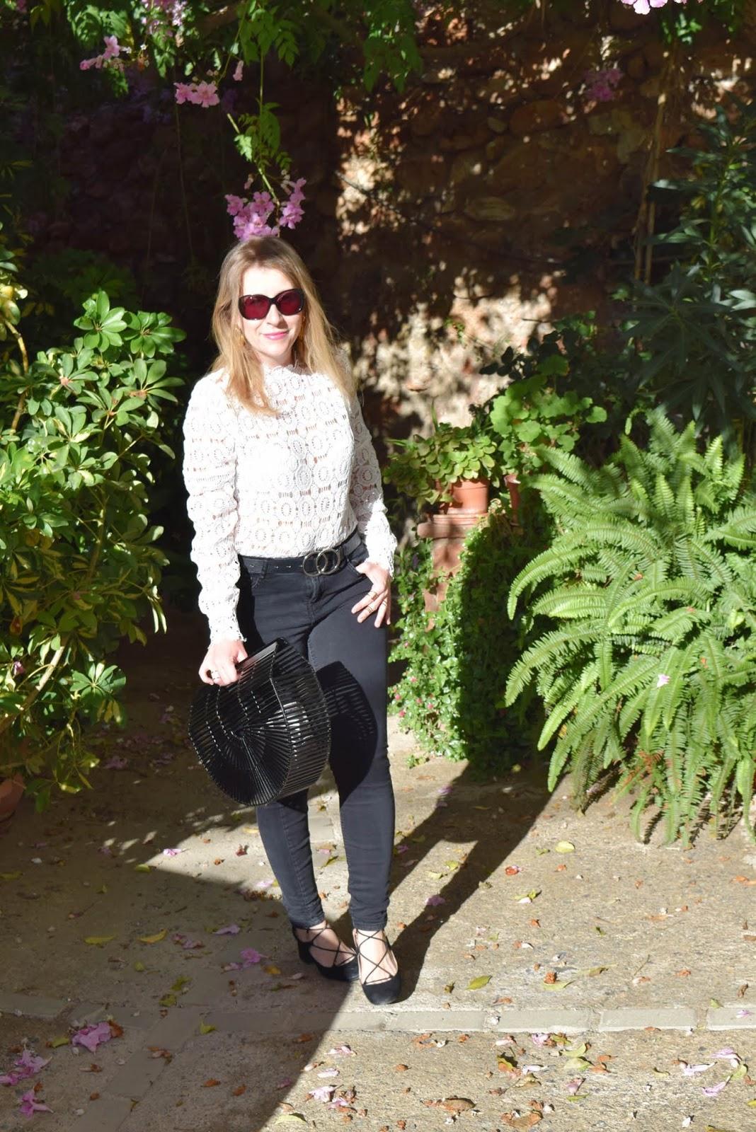 Look_blusa_blanca_Nunca_son_suficientes