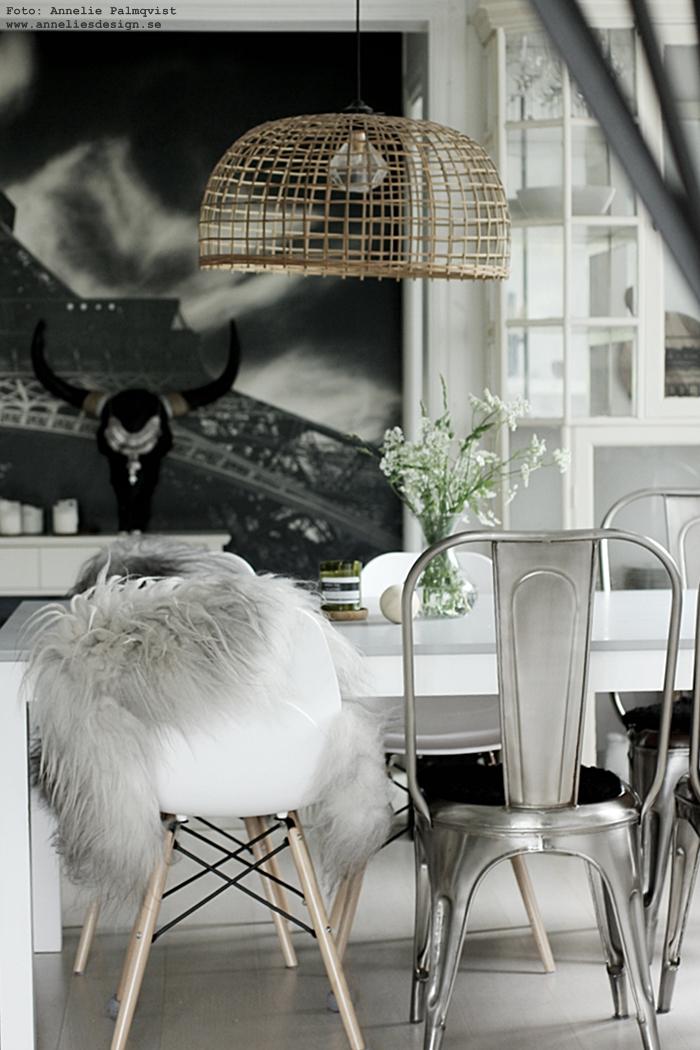 annelies design, webbutik, fårskinn, matsal, inredning, fototapet, buffel, buffelhuvud, matplats, matsalsmöbler, doftljus, wax wick, london, eiffeltornet, paris, stolar, fat av ek, glasunderlägg, kök,