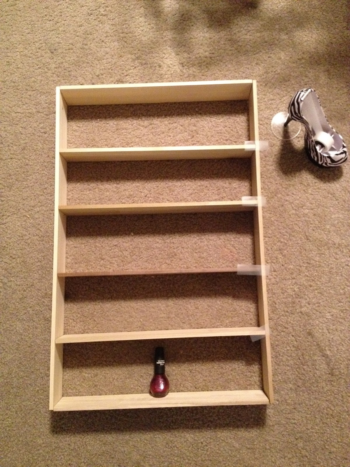 Little bit of everything: DIY nail polish rack