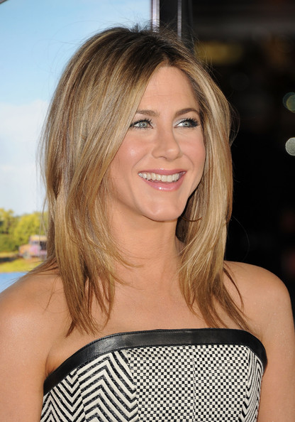 Jennifer Aniston Medium Hairstyle At The Premier Of Wander