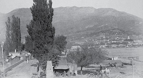 Ялта. Вид селения у моста близ Учан-Су
