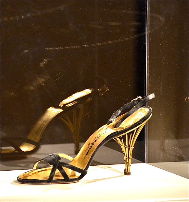448fb27edec This would be right at home today Ferragamo was really ahead of his time.