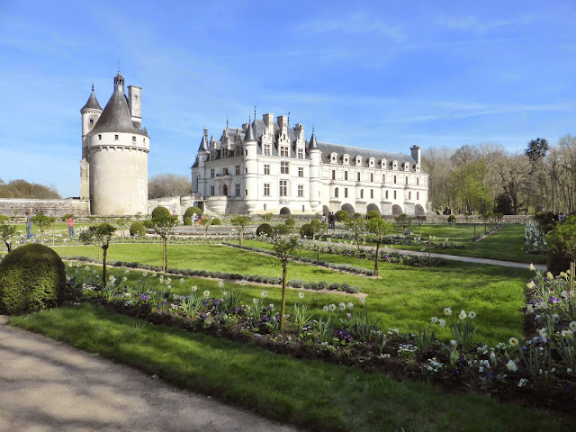 Chateau de Chenonceau's display of spring flowers