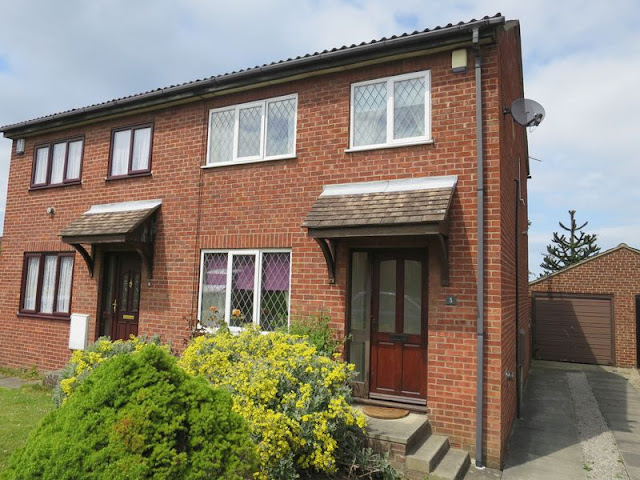 This Is Leeds Property - 3 bed semi-detached house for sale Middlecroft Close, Middleton, Leeds LS10