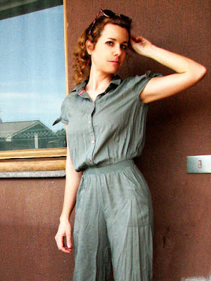 https://s-fashion-avenue.blogspot.com/2018/06/ootd-new-utility-jumpsuit.html
