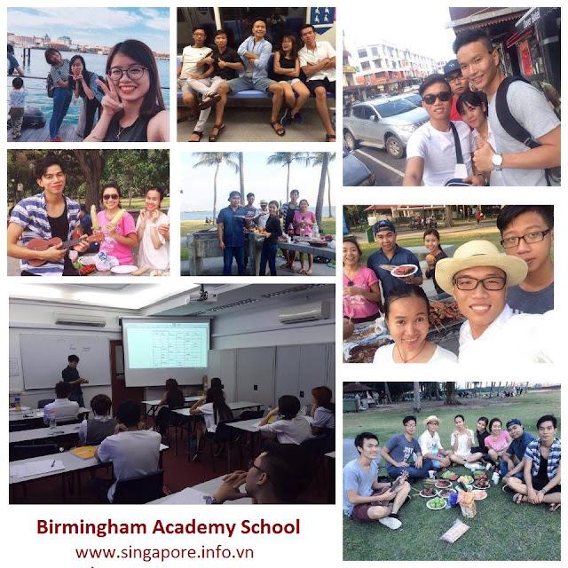 Sinh viên đang theo học chương trình vừa học vừa làm tại Singapore